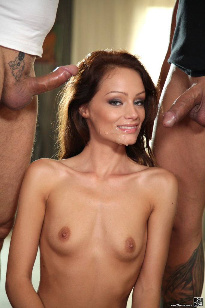 Sophie Lynx Face HomeMoviesTube 1