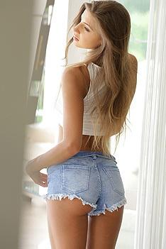 Tara Beautiful Body