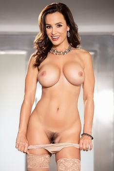 Hot And Famous Milf Lisa Ann